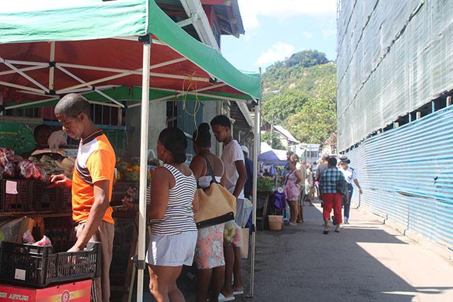 Les rassemblements publics aux Seychelles interdits jusqu'au 13 janvier en raison d'une hausse de COVID