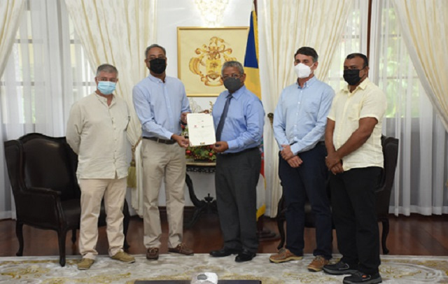 Fishing companies donate $151,000 for Seychelles' COVID vaccination effort