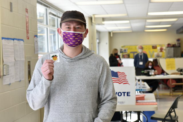 Democrats hopeful in Georgia fight for control of Senate