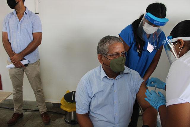 Les Seychelles lancent la première campagne de vaccination, en Afrique, contre le Covid-19