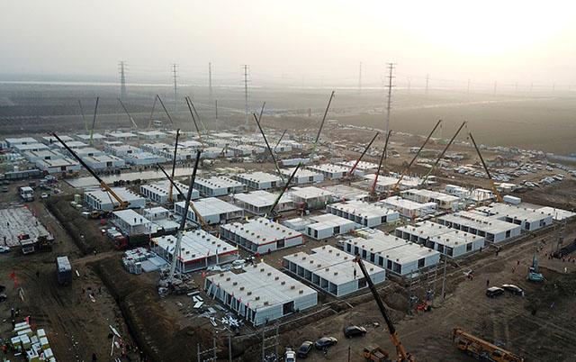 Covid: la Chine construit un énorme centre de quarantaine