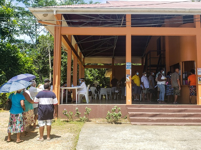 Seychellois residents over age 60 begin getting COVID vaccinations; big turnout shows high demand