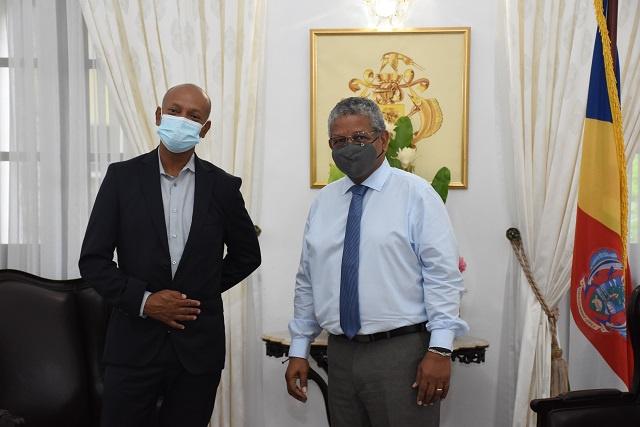 La science et la technologie devraient jouer un rôle plus important aux Seychelles, selon un expert seychellois en visite