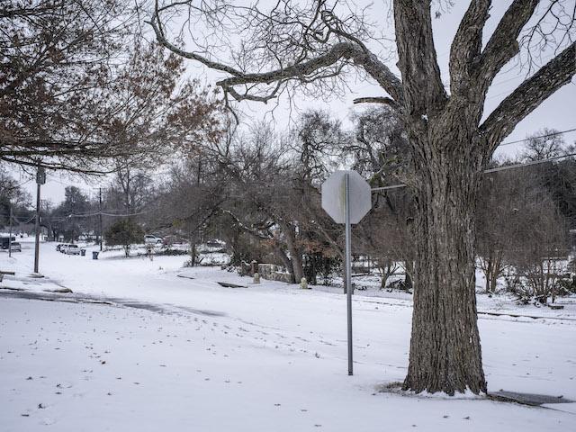 Un froid polaire enveloppe toujours les Etats-Unis, des millions de personnes privées d'électricité