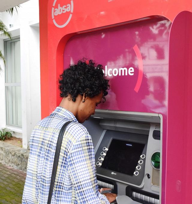 2350 $ c'est le minimum requis aux Seychelles pour que les banques demandent à leurs clients de fournir plus d'informations