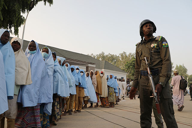 Nigeria: libération de centaines d'adolescentes enlevées vendredi dans le nord-ouest