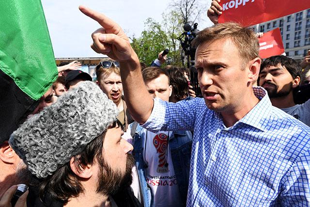 """Sanctions: Moscou appelle Washington à """"ne pas jouer avec le feu"""""""