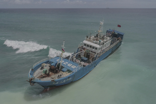 Mauritius safely tows grounded ship to shore: minister