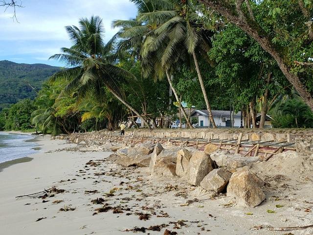 Les Seychelles explorent une installation de récifs artificiels pour se protéger de l'érosion côtière