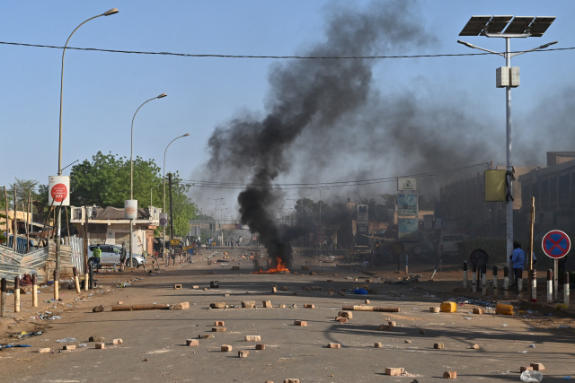 Soldiers arrested in Niger after 'attempted coup'