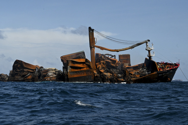 Burnt-out container ship sinking off Sri Lanka