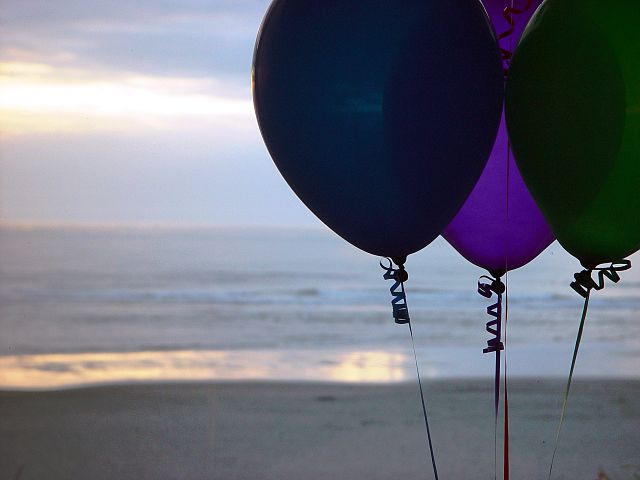 Seychelles bans imports of balloons and use on beaches; other measures postponed
