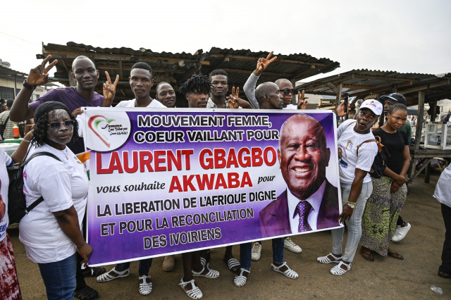 Ivory Coast ex-leader Gbagbo heads home after war crimes acquittal