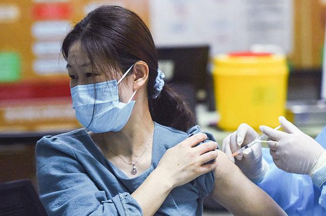 Vaccins: la Chine passe la barre du milliard de doses administrées