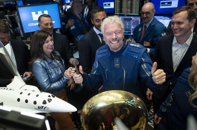 Virgin Galactic, Blue Origin face off in space tourism market