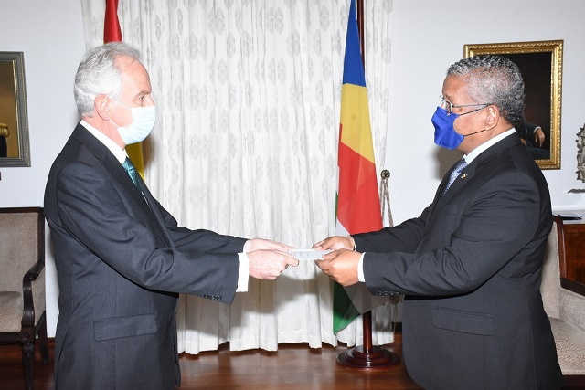 Spain and Seychelles look to add health cooperation to fisheries, security work