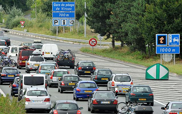 Climat: Bruxelles veut la fin des moteurs essence et diesel à partir de 2035