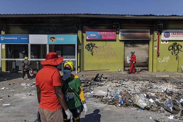 Afrique du Sud: calme précaire après une semaine d'incidents