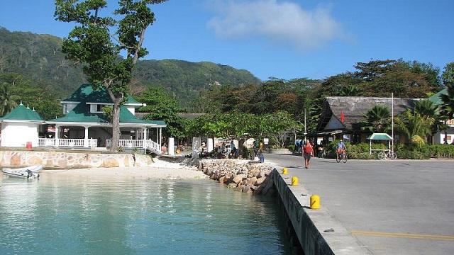 Les Seychelles mettent une pause dans la construction de nouveaux hébergements touristiques à la Digue