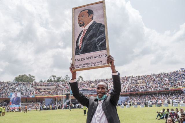 Ethiopia PM urges civilians to join armed forces as war escalates