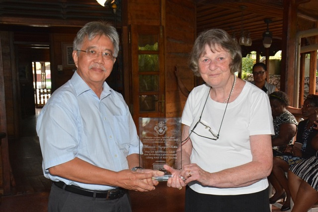 German professor dedicated to study of Seychellois Creole dies at age 84