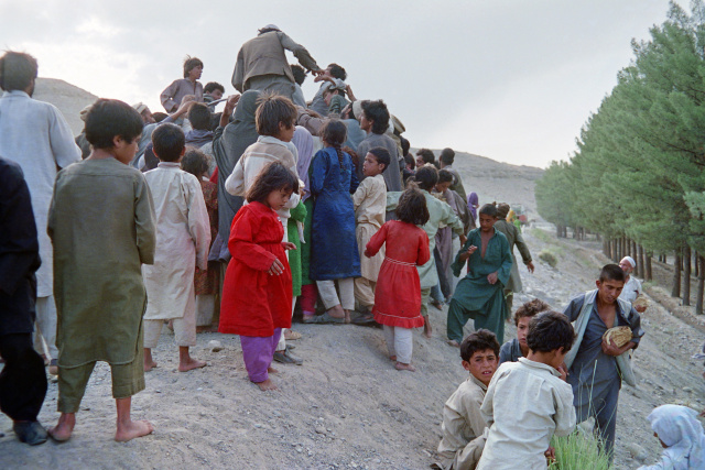 Britain in talks with Taliban over safe passage of remaining nationals