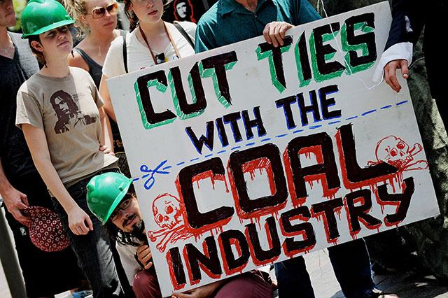 Climat: l'Australie décidée à continuer à extraire son charbon malgré les avis scientifiques
