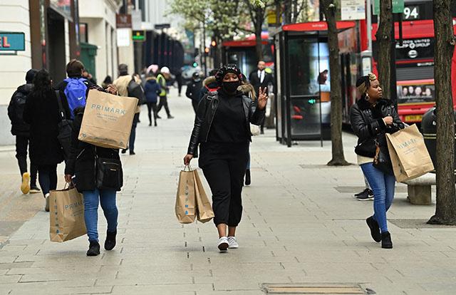 Royaume-Uni: la croissance du PIB ralentit fortement en juillet