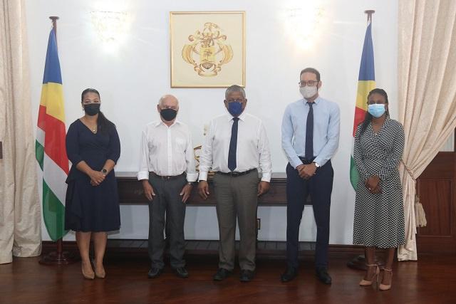 Le président des Seychelles demande à la commission anticorruption de renforcer la lutte contre la corruption.