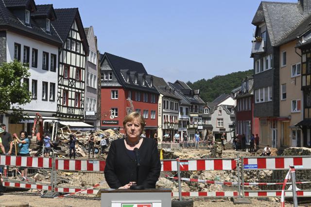 Merkel rivals plead for stronger Europe in final election debate