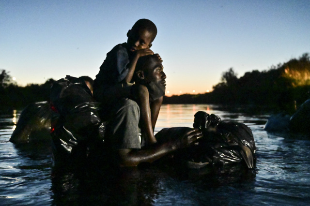 US envoy to Haiti resigns, slams migrant deportations