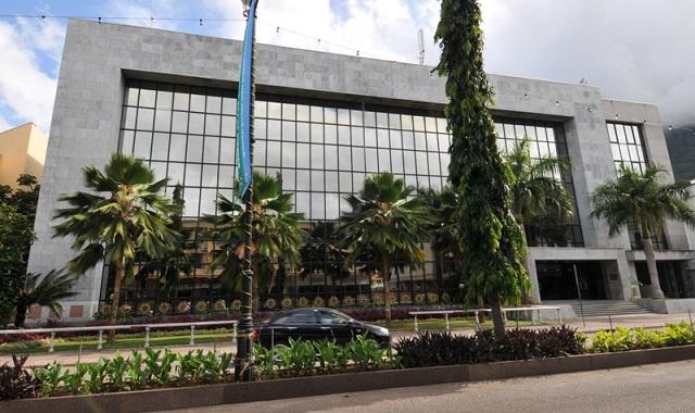 La Banque centrale des Seychelles met en garde les banques : mettre en œuvre des politiques monétaires ou faire face à des mesures