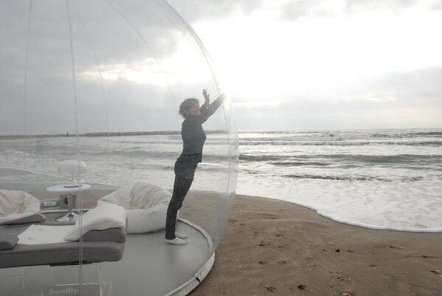 The bubbles come in three different designs from the completely transparent Cristal Bubble the half-opaque Bubble Room and the Bubble Drop which is almost ... & Floating in a bubble u2013 enjoy camping under the stars in your own ...