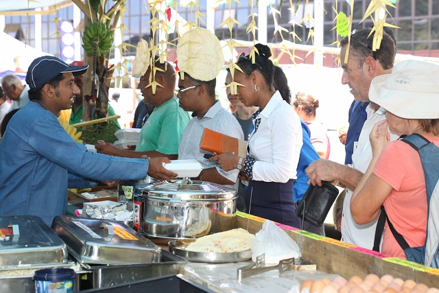 Musical culinary and artistic shows as seychelles for Artisan cuisine of india
